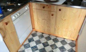 Küche renovieren: Häßlichen Preßspan raus, geöltes Echtholz rein