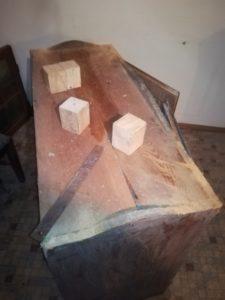 Sanierung Schrank mit Holzwurm, morsche Füße (Teil 1)