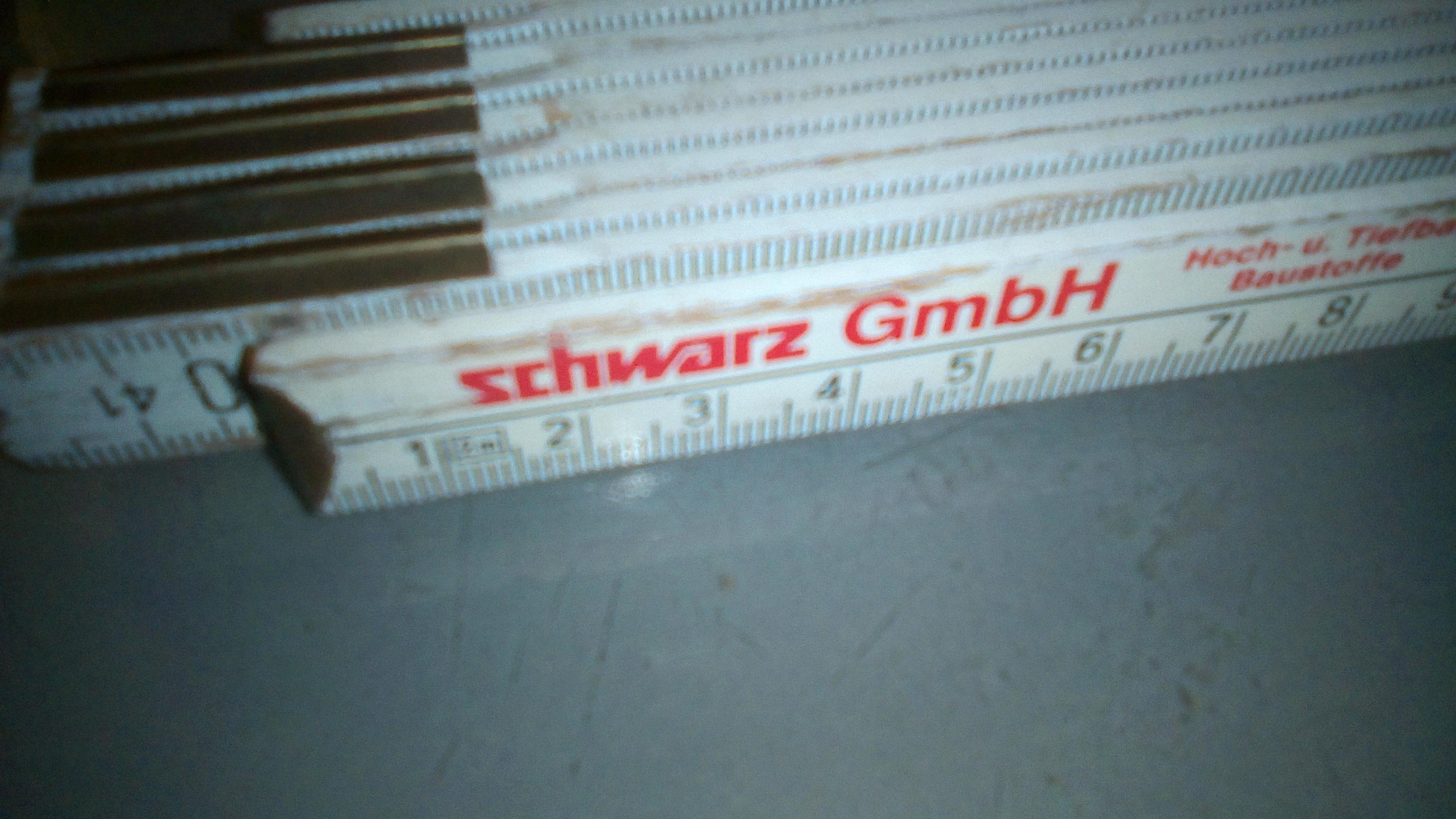 """Ein Meterstab, kurz Meter (hochdeutsch """"Zollstock"""") mit Werbeaufdruck bedruckt (Bild: Heimwerk.ch)"""